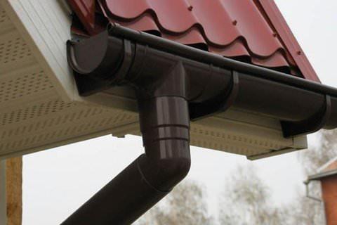 Предлагаем водосточные системы в городе Самаре, изготовленные из металла и пластика